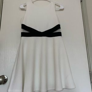 Children's place Black and white dress. Size 10/12